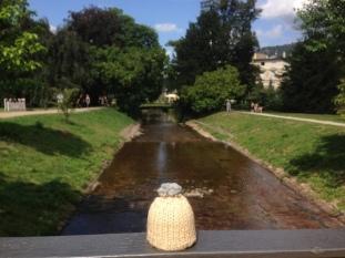 globe-t-bonnet-voyageur-travelling-winter-hat-baden baden-promenade-1